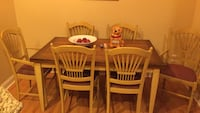 Kitchen table and 6 chairs leaf in table all good condition Alexandria, 22304