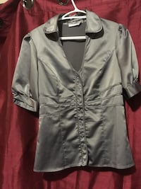 gray button-up long-sleeved shirt Winnipeg, R3E 0T7