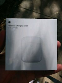 Apple AirPod charging case unopened Chicago, 60640