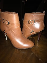 Brown leather 2 buckle heeled ankle boots Grandview, 98930