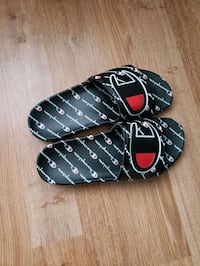Champion slippers size 11 worn once  Pickering, L1W 1G3