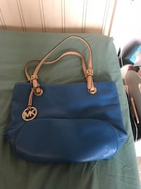 MK purse  Chantilly, 20151