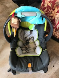 Chicco car seat and base  Woodbine, 08270