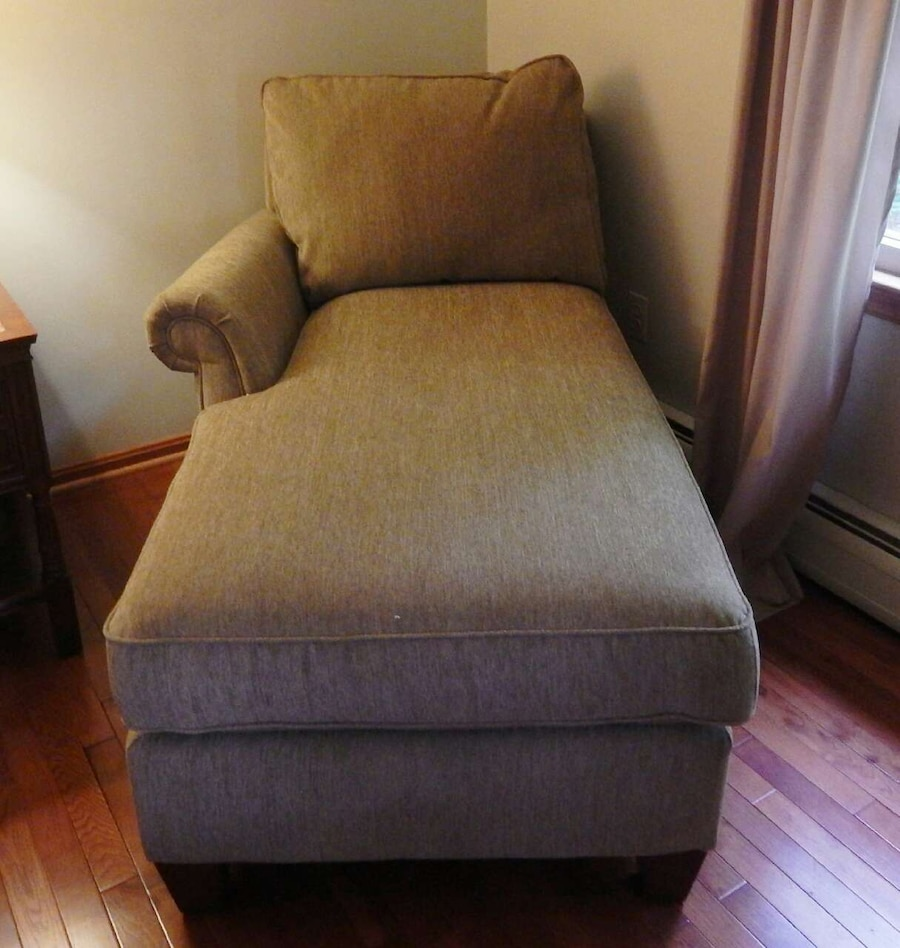 Letgo lazy boy chaise lounge in warrenton va for Big and tall chaise lounge
