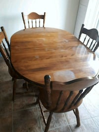 Wood table with 4 chairs  Hamilton, L9G 0A7