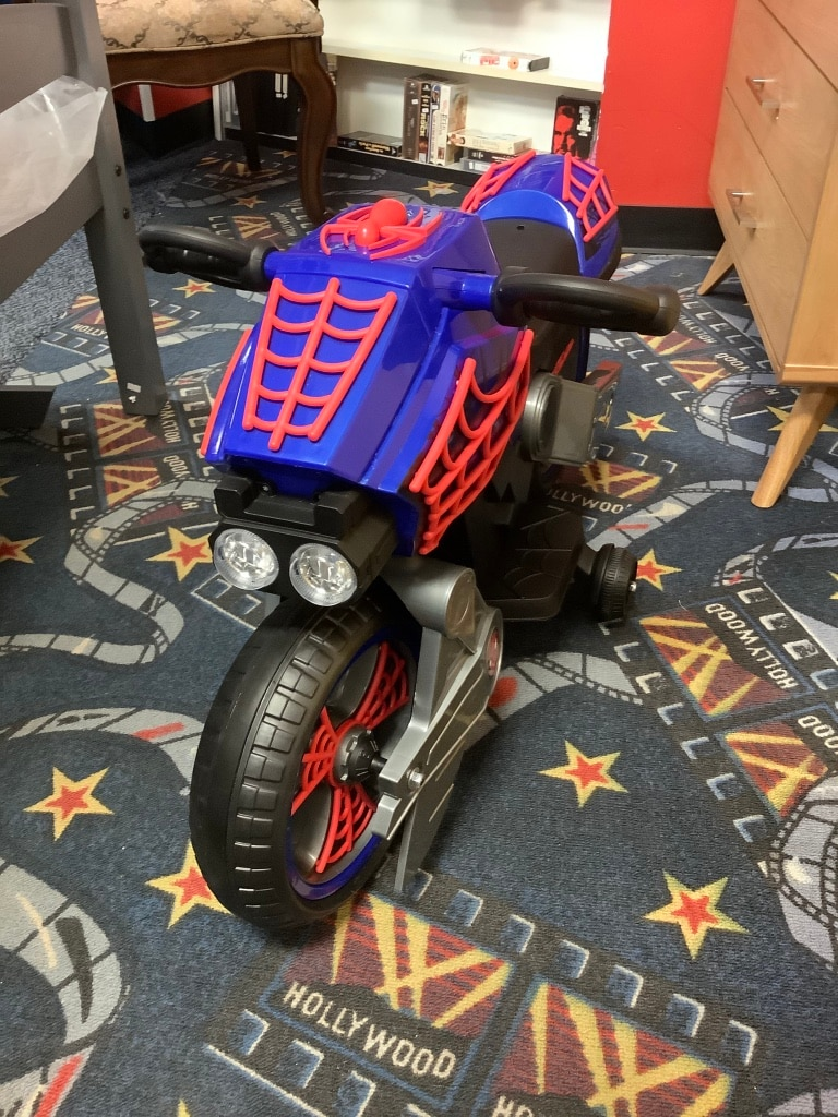 Photo New 6V Spider-Man Ride On Motorcycle w/ Charger