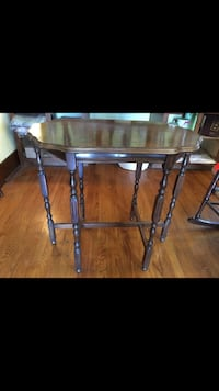 Vintage table Spring Hill, 37174