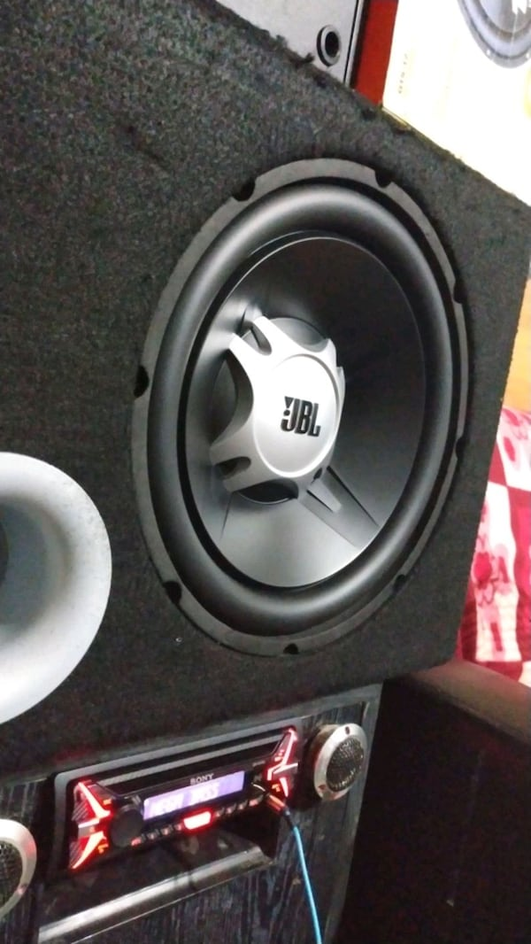 Jbl gt5 12 1100 watt subwoofer bass 2