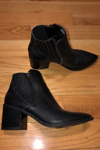 Size 8.5 Kenneth Cole booties