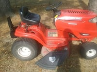 red and black Troy-Bilt ride on lawn mower Rincon, 31326