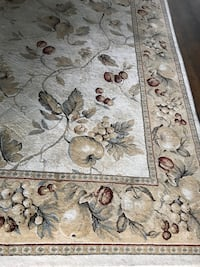 Beautiful rug - 5.5'x7.5' Lake Forest, 92630