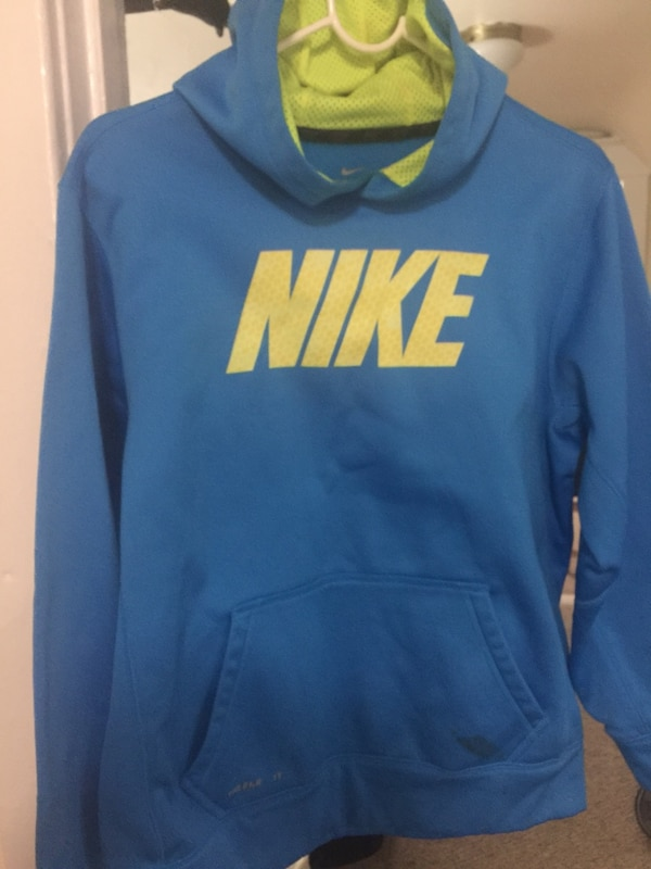 d2ce9bdfe Used Boys Xl thermo Nike hoodie for sale in New York - letgo