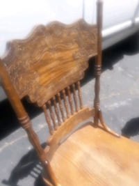 4 nice sturdy chairs Victorville, 92395
