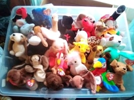 Lot of 29 Collectible Retired Beanie Babies From the 1990s