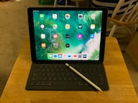 iPad Pro 12.9 256 gb with Bluetooth case and Apple Pencil  San Leandro, 94578