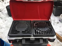 black and red gas grill Laval, H7N
