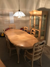 Dinning room furniture Lake Forest, 92630