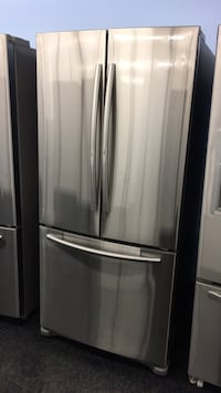 Samsung Fridge — warranty and delivery included  549 km