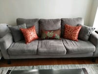 Grey 3-seater sofa / couch Toronto, M6G 2V3