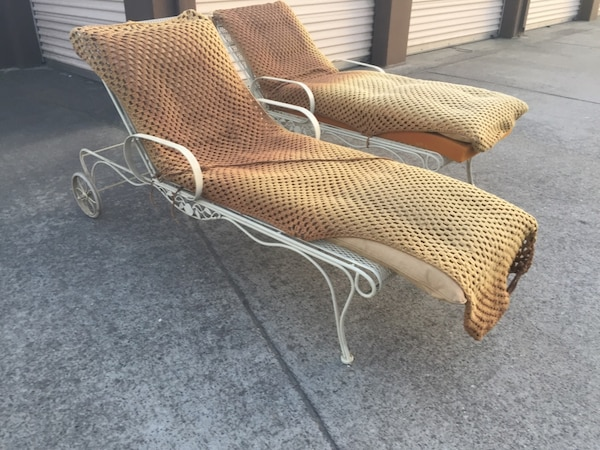 Remarkable Two White Metal Framed Brown Padded Beach Lounge Chairs Camellatalisay Diy Chair Ideas Camellatalisaycom
