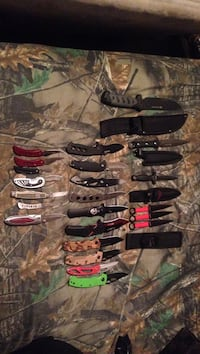 Bunch of knifes rangeing 20-60