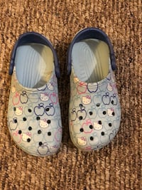 Rare Hello Kitty blue croc in excellent condition adult size 5 Ballston Lake, 12019