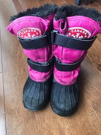 Size 11 Lined Winter Boots. Good condition. Warm.  3115 km
