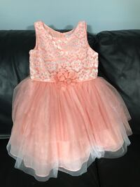 Coral little girls dress size 6x (small hole in net on bottom - see 2nd pic)  Salado, 76571