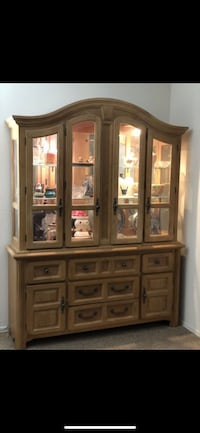 Broyhill China Cabinet  Surprise, 85379