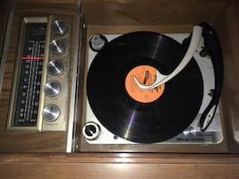 VINTAGE MAGNAVOX 1ST639 ASTROSONIC STEREO RECORD PLAYER CONSOLE