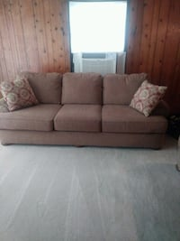 Exlong couch an love seat  New Albany, 47150