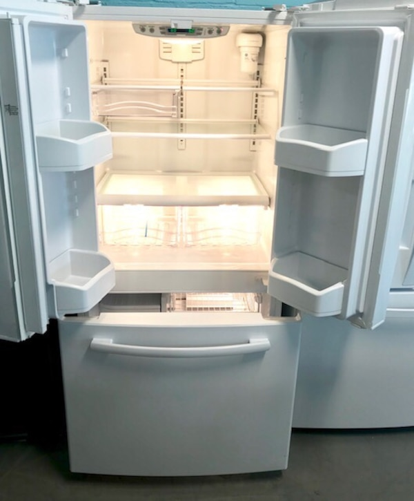 "GE 33"" French door freezer fridge 90 days warranty 7f84c15e-93d5-4072-9877-bed8a2d460fd"