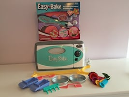 Easy Bake Oven + Decorating set