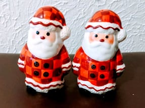 Christmas Santa Claus Salt and Pepper Shakers