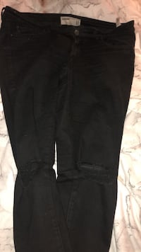 Garage ripped jeans size 11