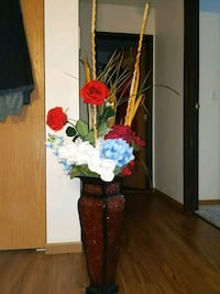 Home Decor with Flowers and vase