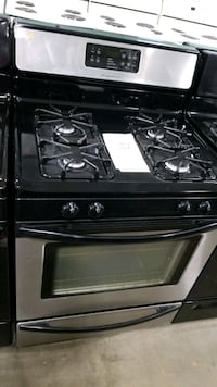 Frigidaire natural gas Stove 30inches.