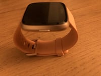 Fitbit Versa Smart watch rosegold Mississauga, L5B