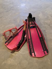 Fins, snorkel and mask used for scuba diving and snorkelling. Great brand! Grande Prairie, T8V 2L5