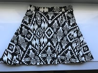 Black and off white tribal print skirt Vaughan, L6A