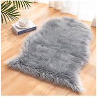 [2 x 3 FT] Sheepskin Fur Area Rug