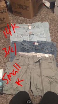 gray and white cargo shorts Spokane Valley, 99206