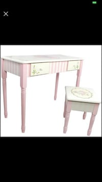 Fantasy Fields (TABLE ONLY) Bouquet Thematic Kids Flip Top Mirror Vanity Table Imagination Inspiring Las Vegas, 89141
