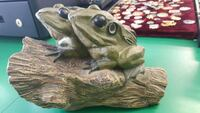green frogs ceramic figurines Simcoe County, L0M