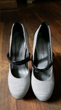 Hounds tooth Mary Jane 6 inch Heels 7