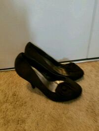 pair of black leather flats Edmonton, T5E 1J8