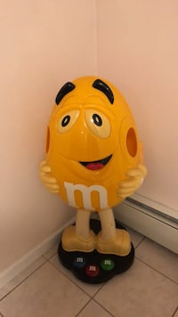 Rare M&M Display Collectible Trumbull, 06611