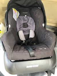 Maxi cosi infant carseat Toronto, M2N