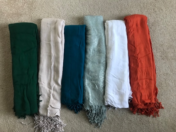 (6) scarves In excellent condition! From smoke free home(all for $18)