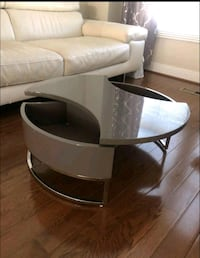 COFFEE TABLE** Rotating and adjustable.  Washington